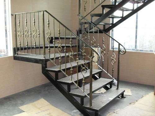 铁艺楼梯价格须知    铁艺楼梯扶手怎样保养