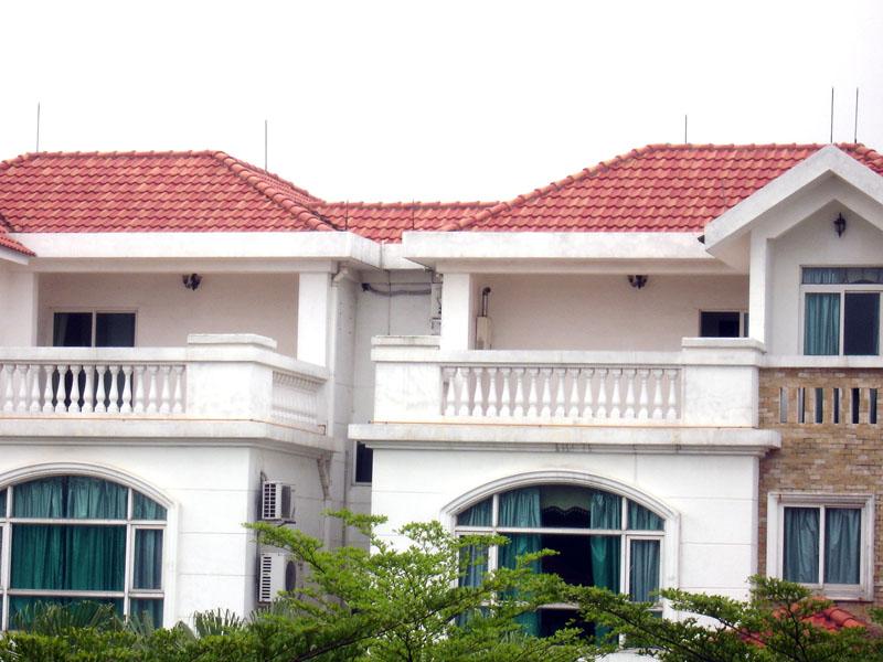 别墅琉璃瓦屋顶造型有哪些 琉璃瓦选购技巧