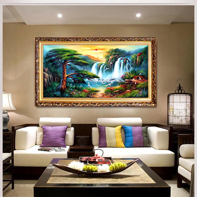客厅挂迎客松风水禁忌 客厅挂什么画比较好