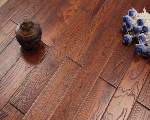 实木地板弹簧了解吗?怎么安装实木地板弹簧?