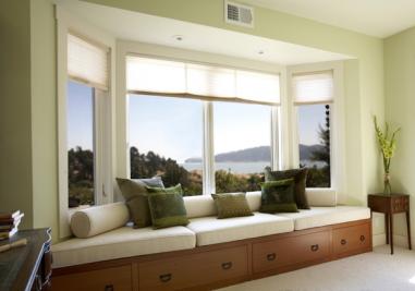 家里有个大飘窗却没有飘窗垫?不同材质的飘窗垫有不同效果