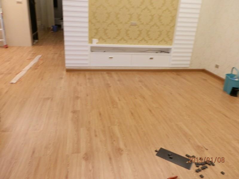 家里装修第一次铺装pvc塑胶地板,但是不懂怎么保养,怕和以前的木地板