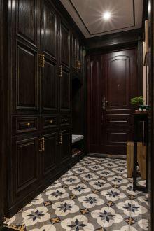 绿地成180平三室二厅欧式古典装修效果图