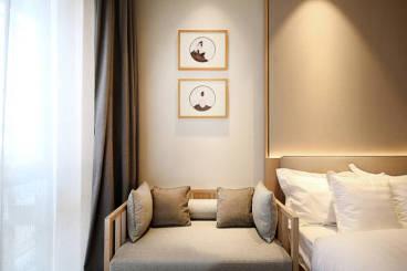 百合居中式卧室效果图