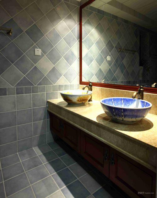 简单青花瓷卫生间设计