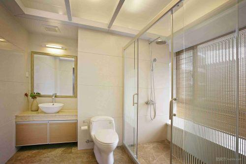 干净简约的卫生间设计