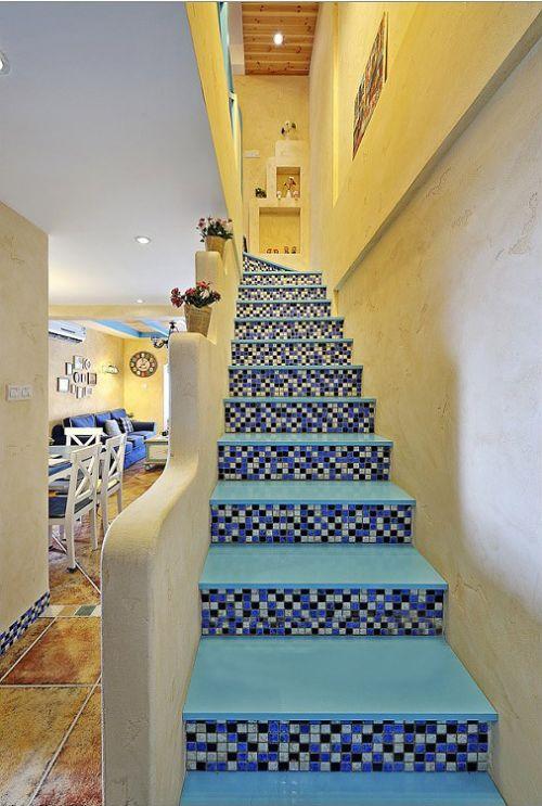 地中海复式楼梯效果图