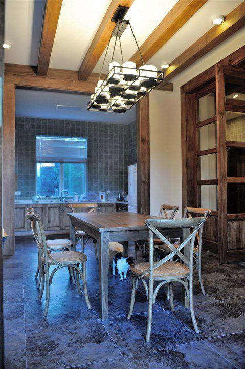 简约木质家具餐厅效果图