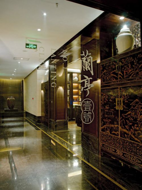 古典豪华的走廊设计