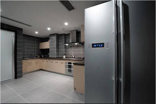 现代豪华干净的厨房装修
