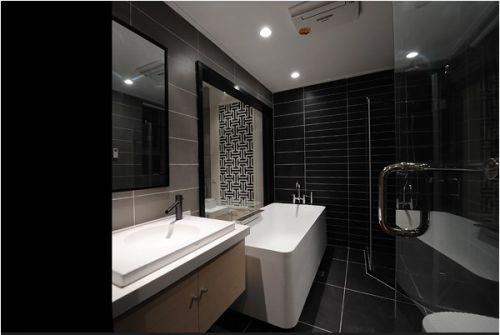 黑色的美式卫生间装潢