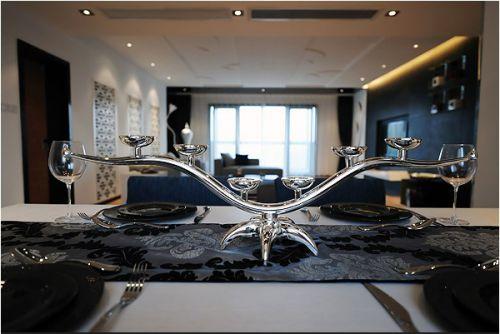 豪华大气的黑色餐桌装潢