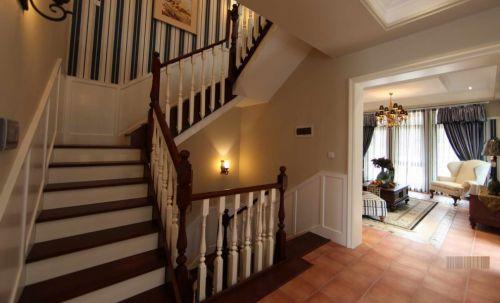 复式洋房客厅楼梯效果图