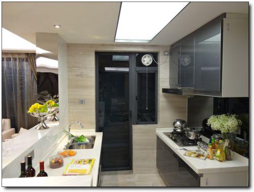 简约风格开放式小厨房设计