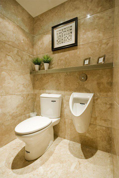 米色墙壁的卫生间装修
