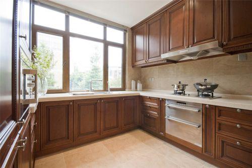 简约风格实木厨房橱柜设计