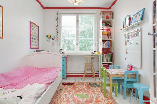 粉粉的简约儿童房装潢