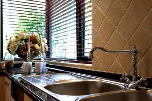 复古风洗手台装修效果图
