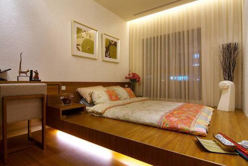 简约木质风格榻榻米卧室
