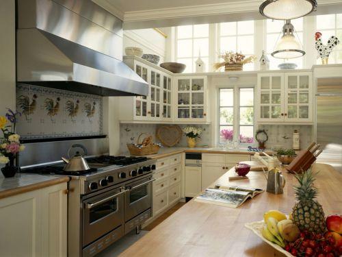 休闲美式风格厨房橱柜设计欣赏