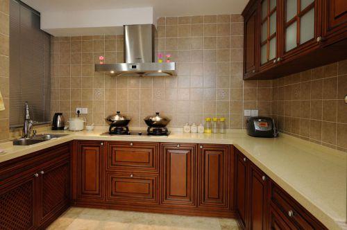 美式淡雅厨房橱柜装饰设计图片