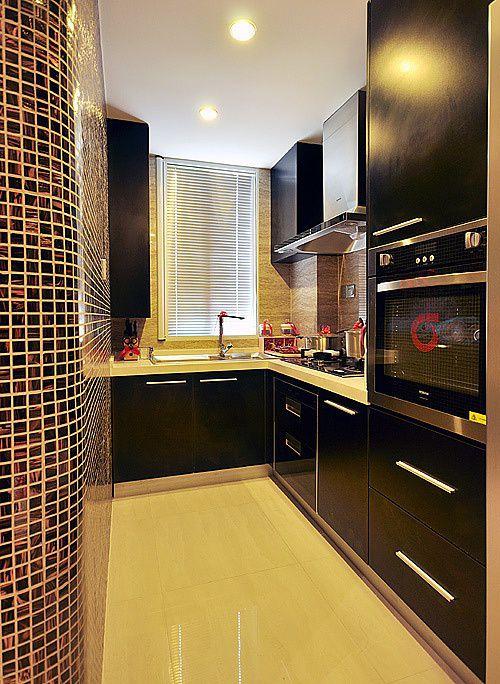 美式风格个性黑色厨房橱柜装修案例