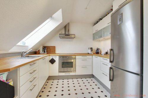 2016米色现代厨房橱柜效果图欣赏