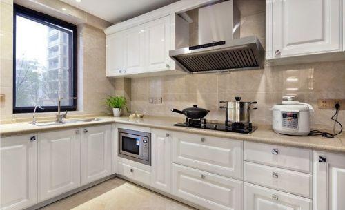 米色现代风格厨房橱柜装饰设计图片