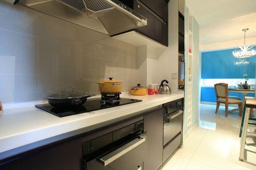 实用清爽现代风格厨房橱柜欣赏