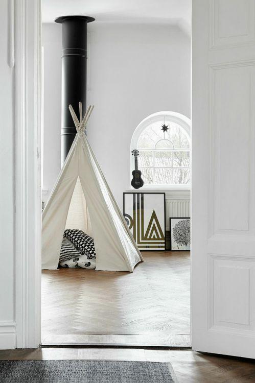 简约时尚白色儿童房装修图