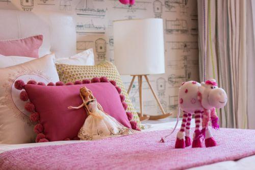 粉色简约美式儿童房设计