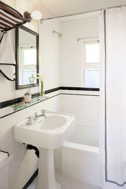 白色清新简约风卫生间装饰图