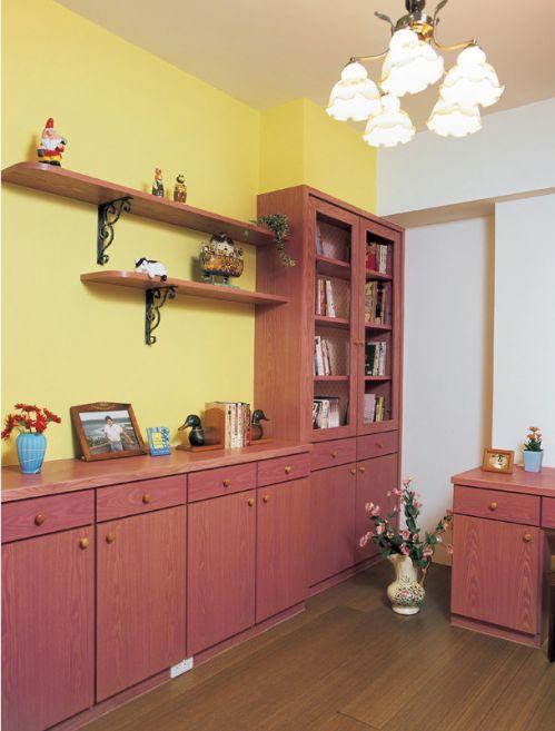 现代风格红色书房装修效果图片