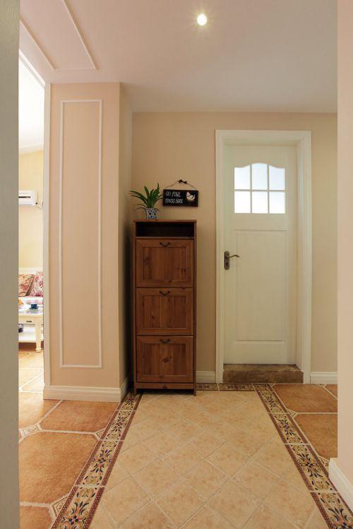 美式风格米色玄关装修效果图片
