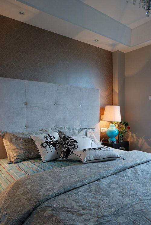 灰色简约卧室床头软包效果图欣赏