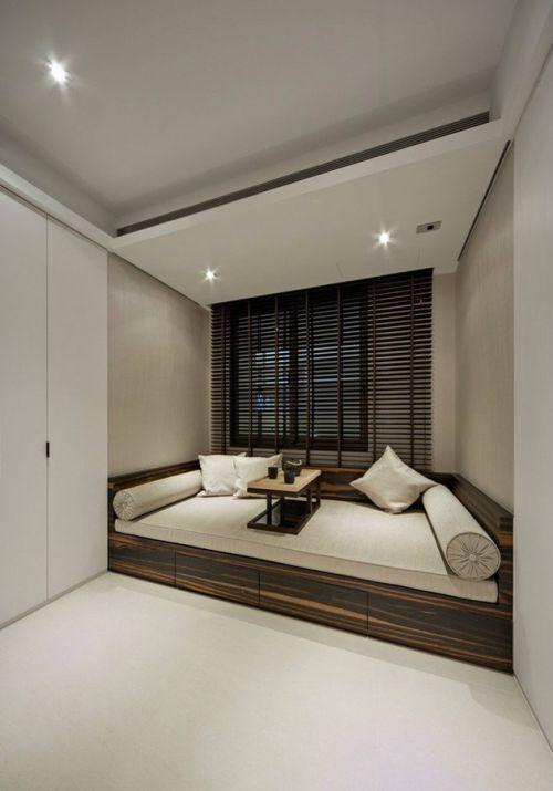 白色简约卧室榻榻米欣赏