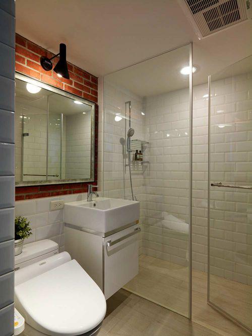 卫生间红白色墙面设计