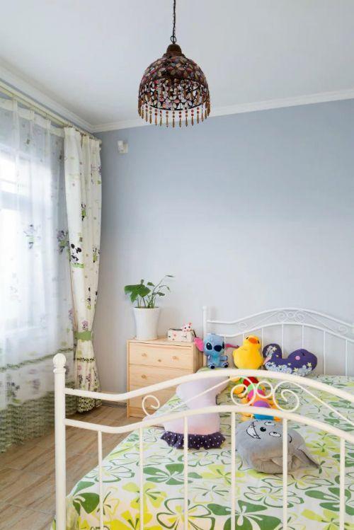 现代美式风格儿童房吊顶图片