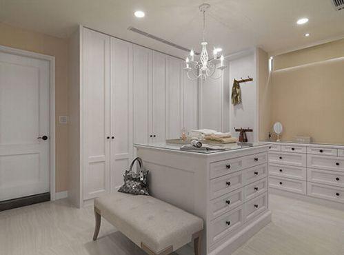 美式别墅白色衣帽间设计图片