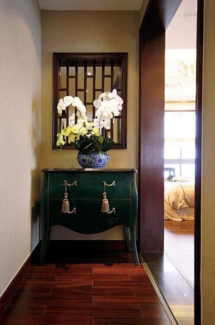 现代中式风格玄关装修图片
