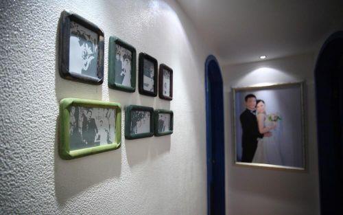 地中海风格玄关照片墙效果图