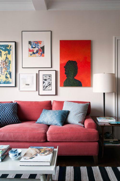 现代风格客厅温暖优雅粉色沙发实景图