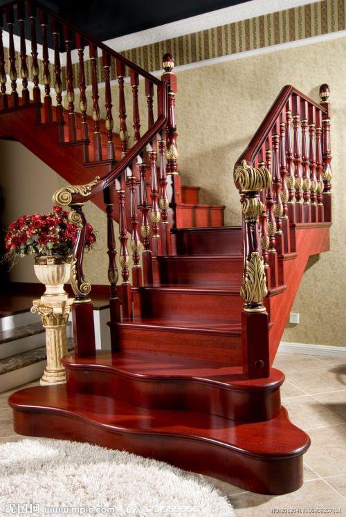 中式别墅复古红色楼梯装修效果图