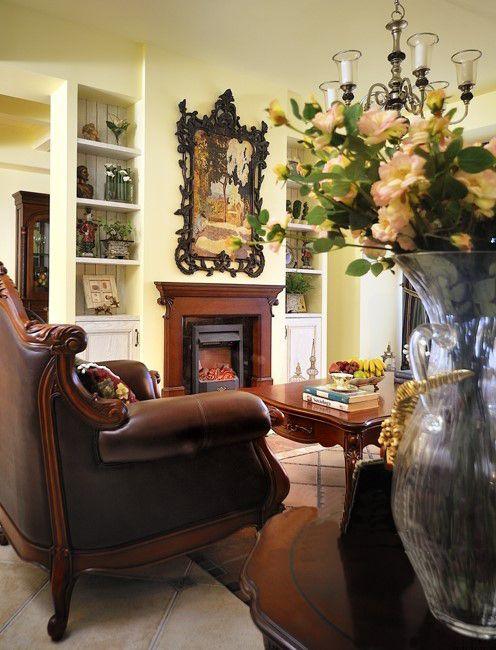 古典欧式三居室客厅装修效果图欣赏