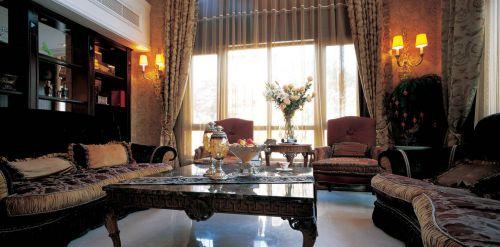 欧式风格三居室客厅装修效果图