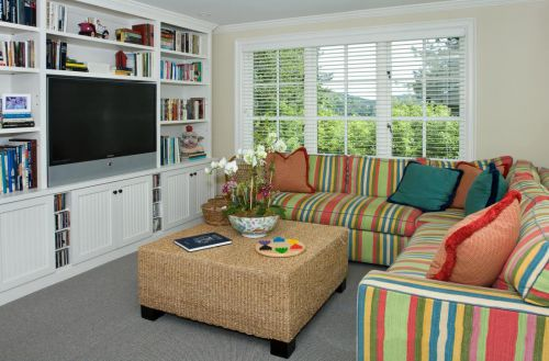 温暖田园风格客厅彩色沙发装修图片