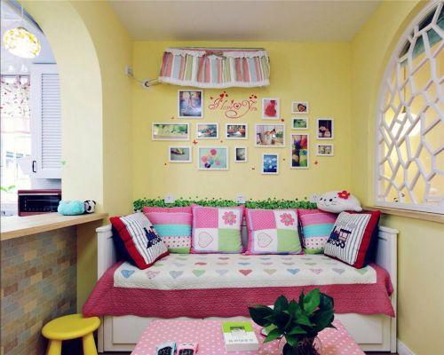 田园风格二居室客厅隔断装修效果图