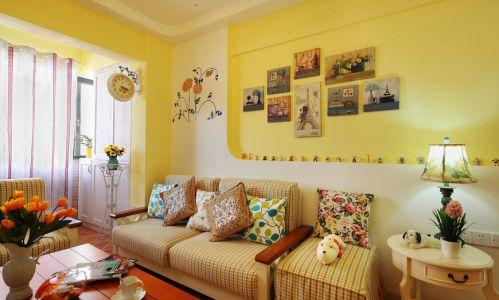 地中海风格黄色客厅布艺沙发装修图