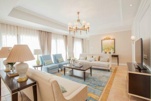 甜美清新地中海风格客厅沙发装修设计