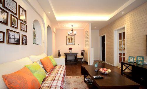 优雅混搭风格客厅照片墙装修设计